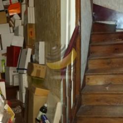 AVANT/APRES  : Désencombrement de l'escalier