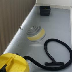 Nettoyage à l'aspirateur à eau