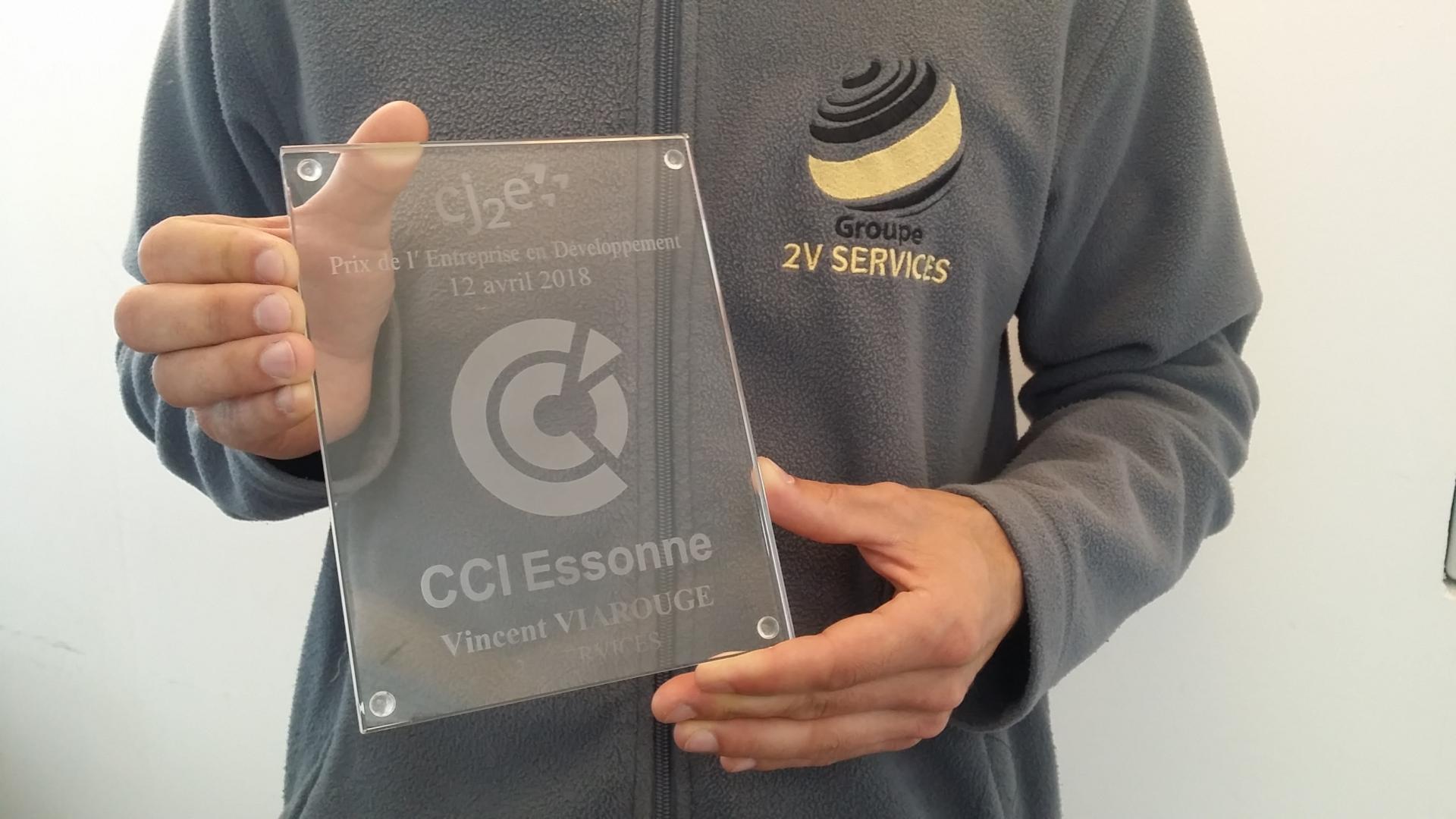 Prix Cj2e 2018 : 2V SERVICES reçoit le Prix de l'Entreprise en Développement